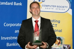 Brendon Wilson with the Standard Bank Trophy_640x427