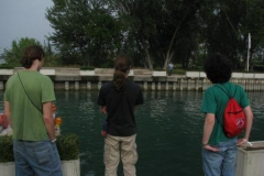 2012-09-23-sirmione-vaughan-kiren-and-sean-contemplate-a-small-obstacle-in-our-walk