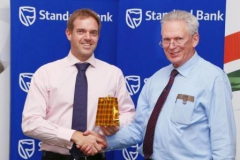 gift-brendon-wilson-receiving-gift-from-peter-waker-p-o-2013-img_0225