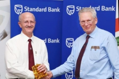 gift-tony-parry-receiving-gift-from-peter-waker-p-o-2013-img_0217