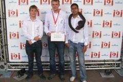 2014-IOI-SA-Team-and-medal-IMG_6125