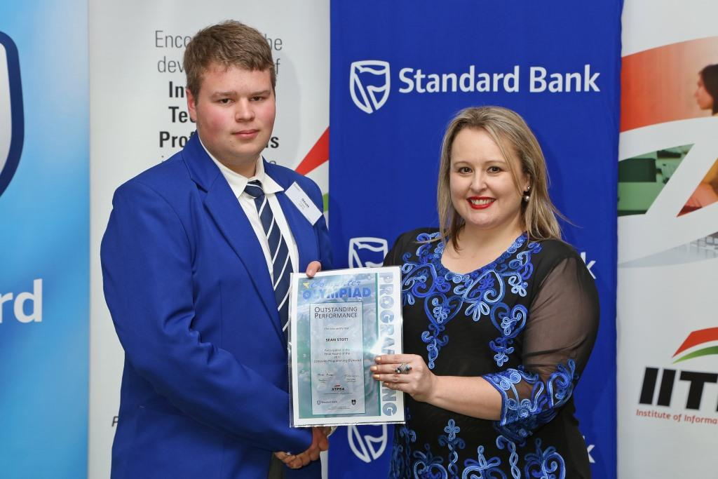 2017 PO Finalist Sean Stott (UFS Python Project) receiving certificates from Ulandi Exner (IITPSA President) IMG_6355