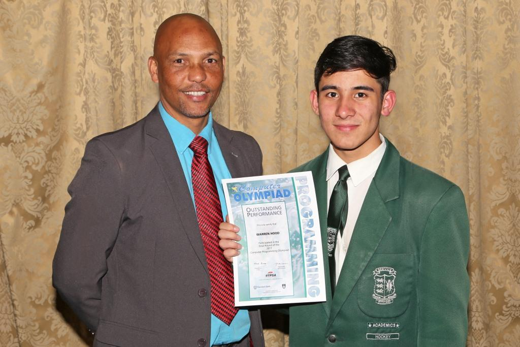 2017 PO Finalist Warren Hood with principal Eddie Curtis (Eshowe High) IMG_6419