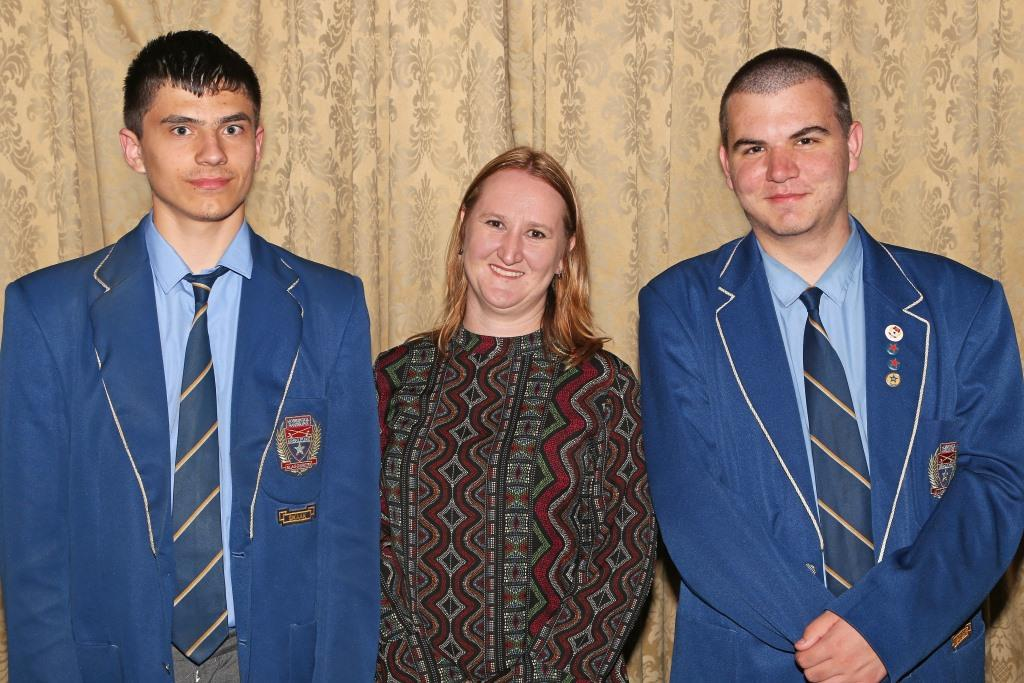 2017 PO Finalists Stefan Louw and Sean Groenewald, with teacher Marika Dunn (Hoërskool Randburg) IMG_6417