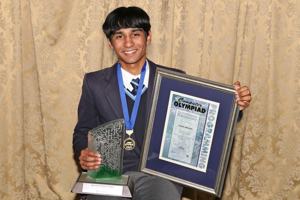 2017 PO Winner Gold Taariq Mowzer (Fairbairn College) IMG_6405