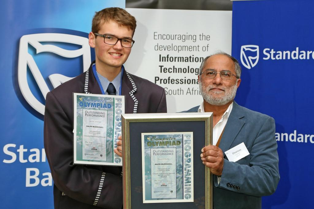 2017 PO Winner Silver Medal Ralph McDougall (Curro Durbanville) receiving awards from Dr Ali Dhansay (NSTF) IMG_6366