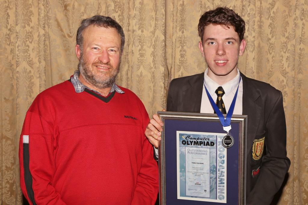 2017 PO Winner Silver Medal Tian Cilliers with parent Theunis IMG_6421