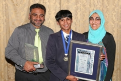 2017 PO Winner Gold Medal Taariq Mowzer (Fairbairn College) with parents Zakir and Ghadija IMG_6403