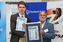 2017 PO Winner Silver Medal Winner Tian Cilliers (Stellenbosch High) receiving awards from Dr Ali Dhansay (NSTF) IMG_6365